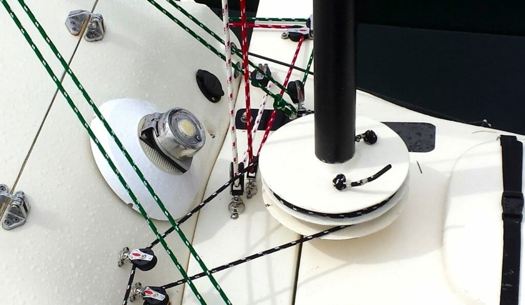 Microship furling mast and deck rigging