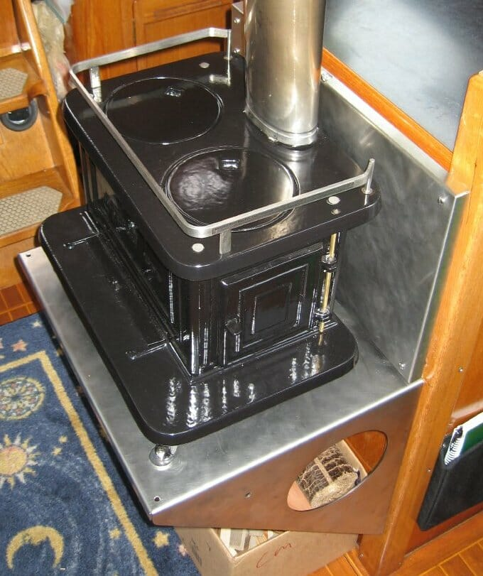 The Little Cod Boat Wood Stove - Nomadic Research Labs