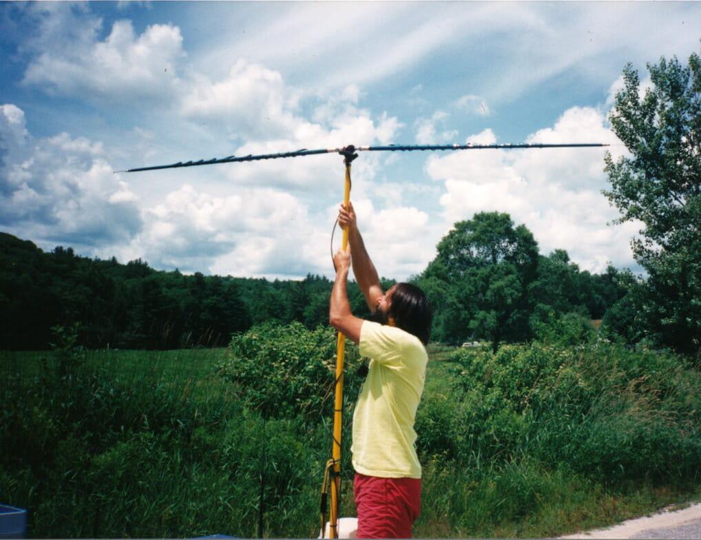 Outbacker folding dipole atop BEHEMOTH Big Yellow Pole