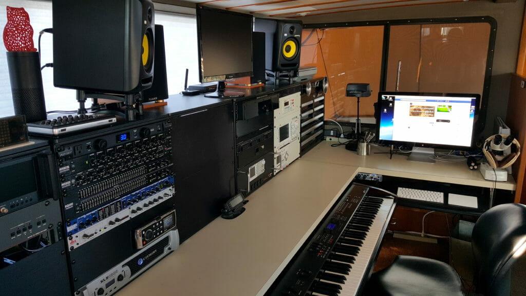 console-piano-fusion-zoom-lasercat
