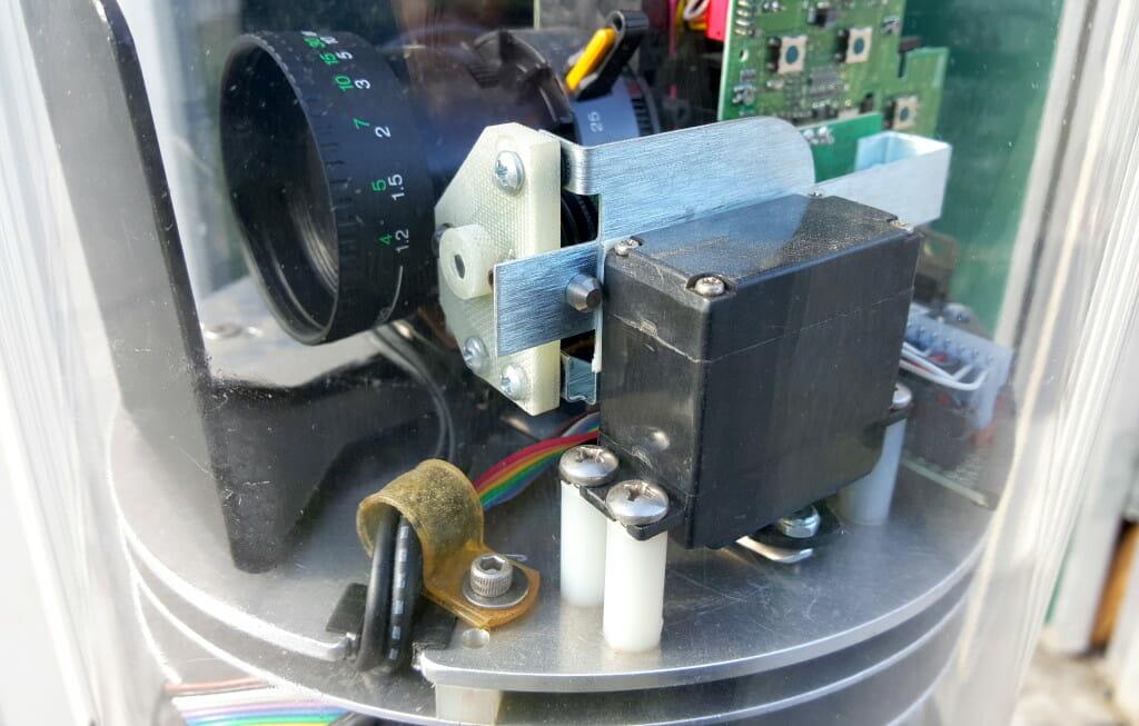 Microship video turret servo