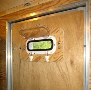 door-portlight-inside