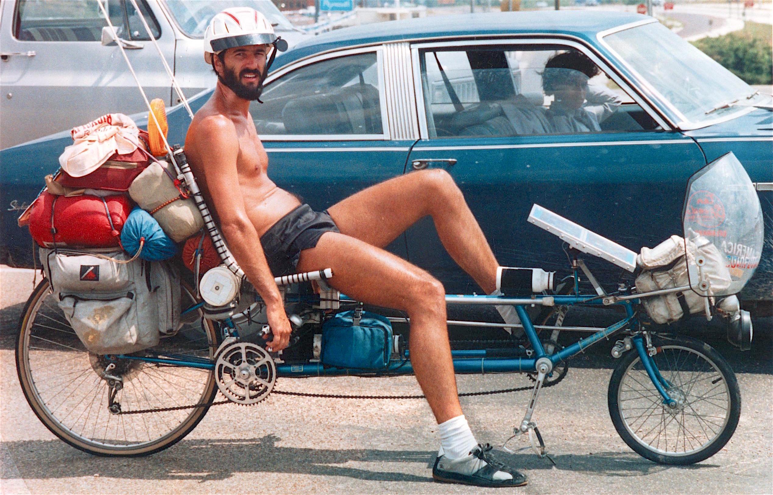 Steven Roberts on Winnebiko in Huntsville, Texas - May 24, 1984 (photo by Jimmie Morris)
